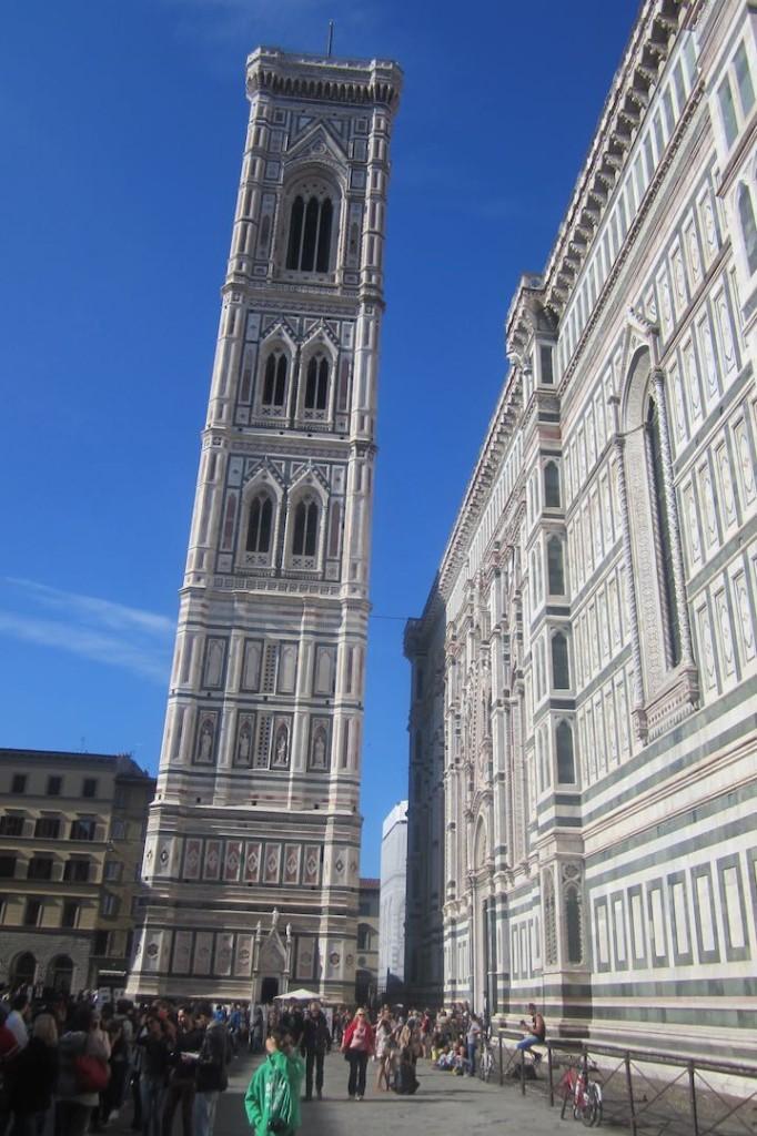El Campanille en armonía con el duomo de Florencia. ©M. Calvo.