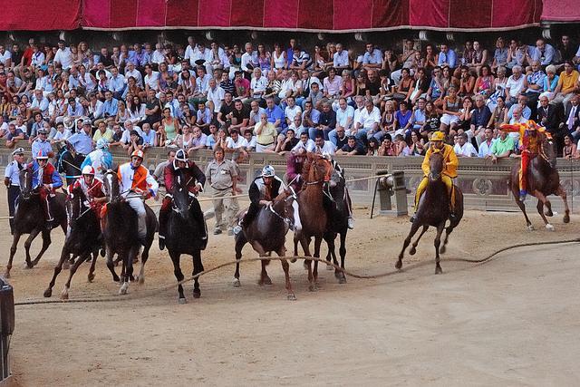 La fiesta del Palio, muy turística, pero llena de reminiscencias medievales. Foto de r Marie Servais.