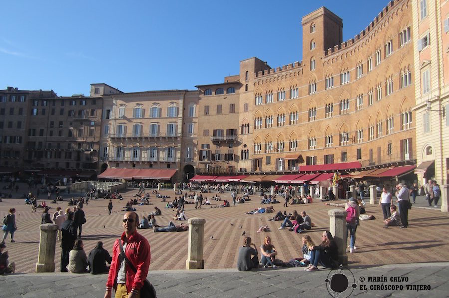 Plaza Il Campo, centro neurálgico de Siena.