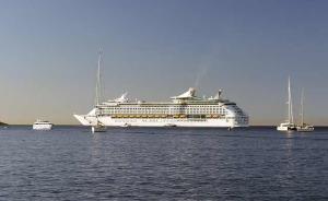 Por aire, mar o tierra la Toscana abre sus puertas a los visitantes de todo el mundo.