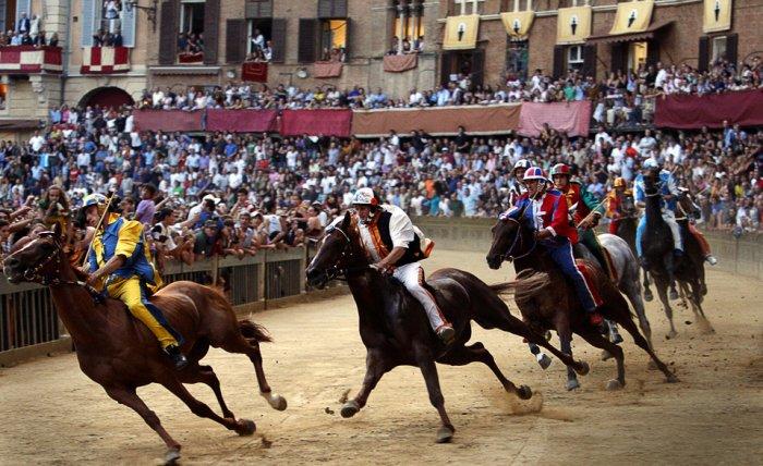 El Palio de Siena, histórica carrera de caballos