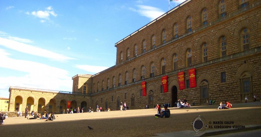Fachada monumental del Palazzo Pitti
