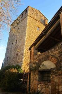 Alojarse en una auténtica torre medieval, en un castillo o en el palacio de una antigua familia toscana es posible.©María Calvo.