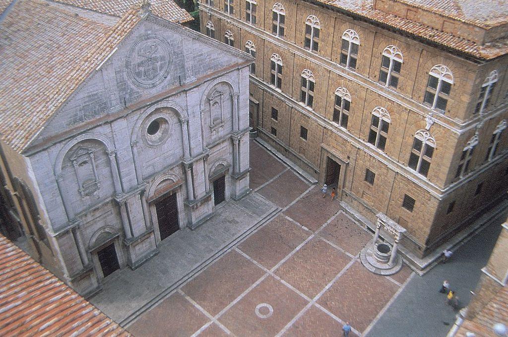 Vista de la catedral y el Palazzo Piccolomini