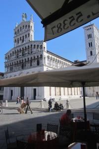 Catedral de Lucca del siglo XII en estilo pisano. ©Maria Calvo.