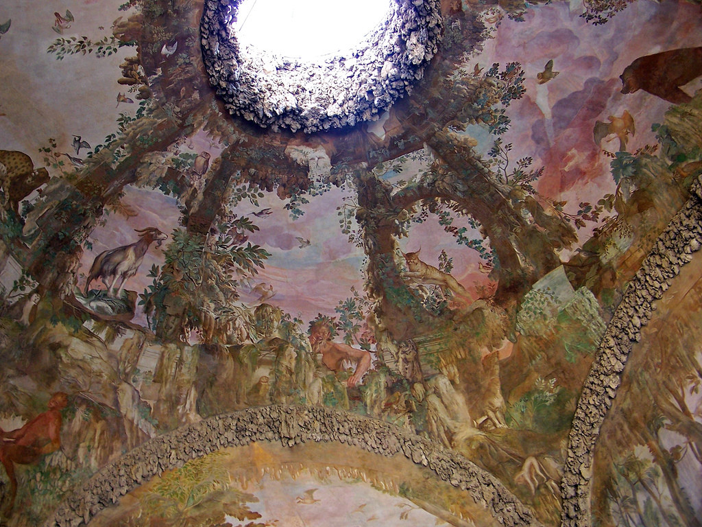 En la Gruta de Buontalenti, en los Jardines de Boboli, estos espléndidos frescos. Foto de Sebastià Giralt.