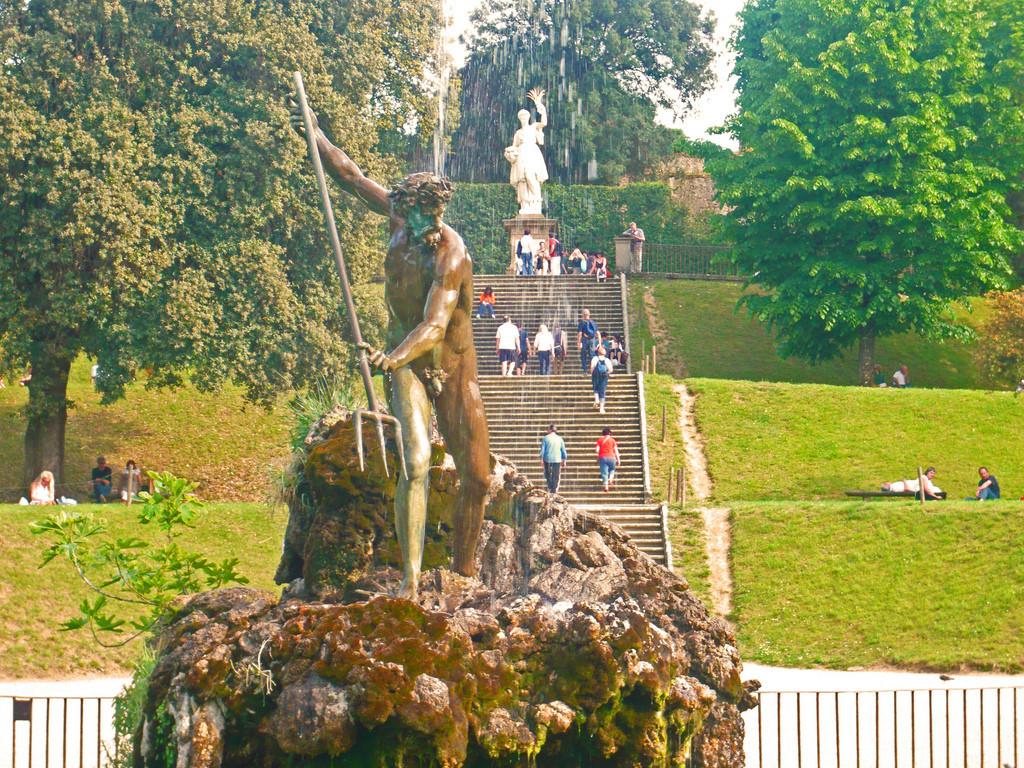 La Fontana de Nettuno, un ejemplo de las excelsas fuentes de los Jardines Boboli, Florencia. Foto de Giovanni.